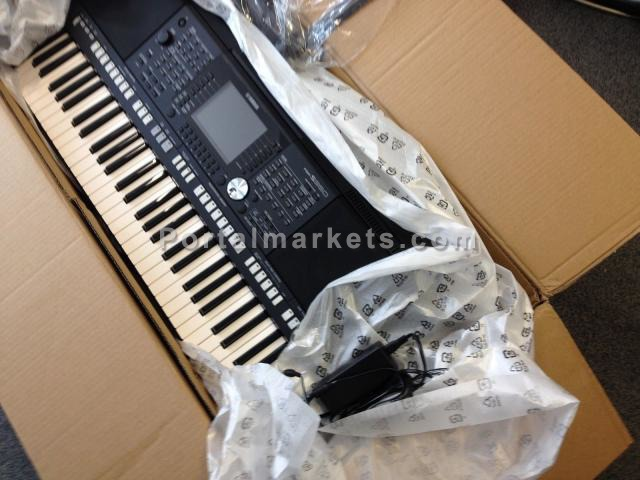 FOR SALE:  Yamaha Tyros 5 Workstation Keyboard - 1/1