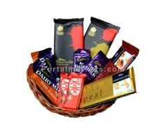 Send Mothers Day chocolate online in delhi