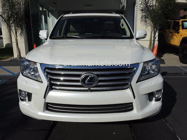 FOR SALE..... NEATLY USED LEXUS LX 570 2014 - 1/3